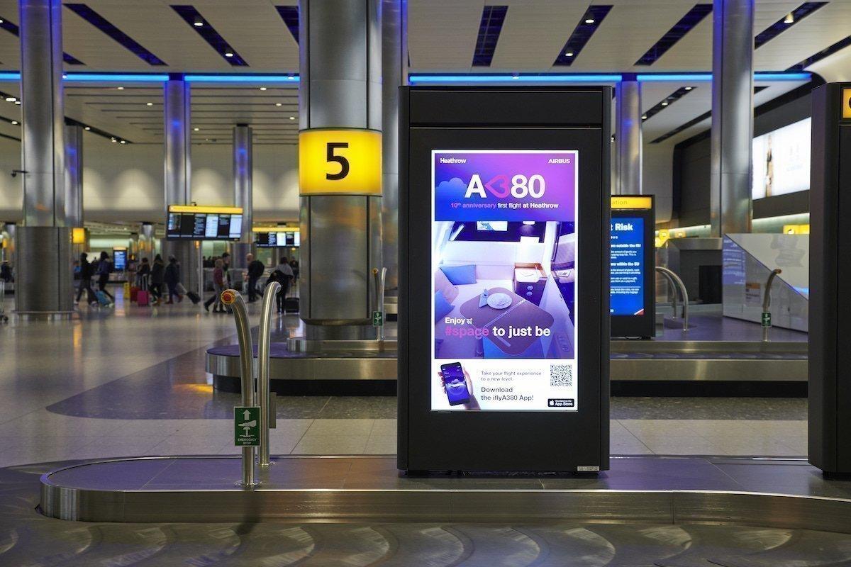 Airbus erinnerte 2018 mit dieser DooH-Kampagne an den 10. Jahrestag der Landung eines A380 in Heathrow (Foto: Airport Heathrow)