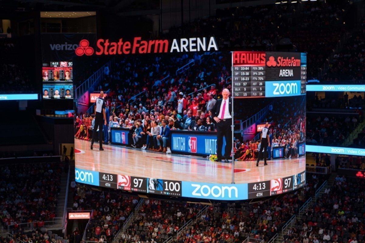 Der große LED Screen hat einen Pixel Pitch von 6 mm (Foto: Samsung)