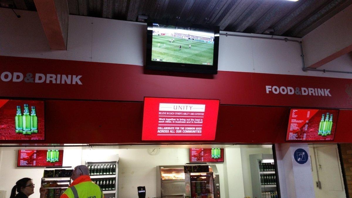 Digital Menu Boards erhielten im Stadion ebenfalls Einzug (Foto: Signagelive)