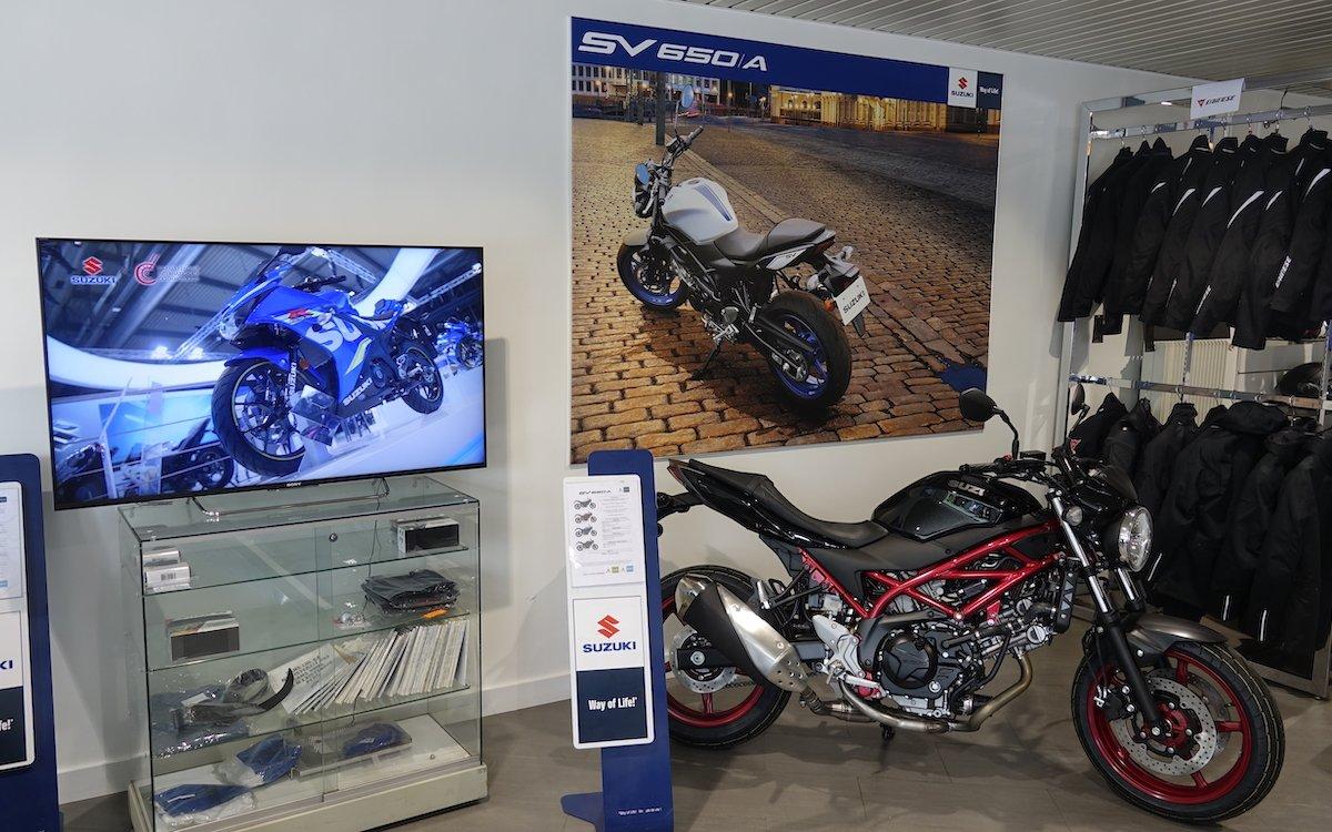 Screens und Software der neuen Lösung bei Suzuki Frankreich stammen aus einer Hand (Foto: Sony)