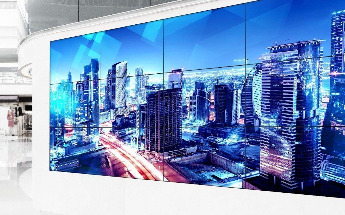 Videowalls von Panasonic können nun optional vor Ort mit Touch-Overlays ausgestattet werden (Foto: Panasonic)