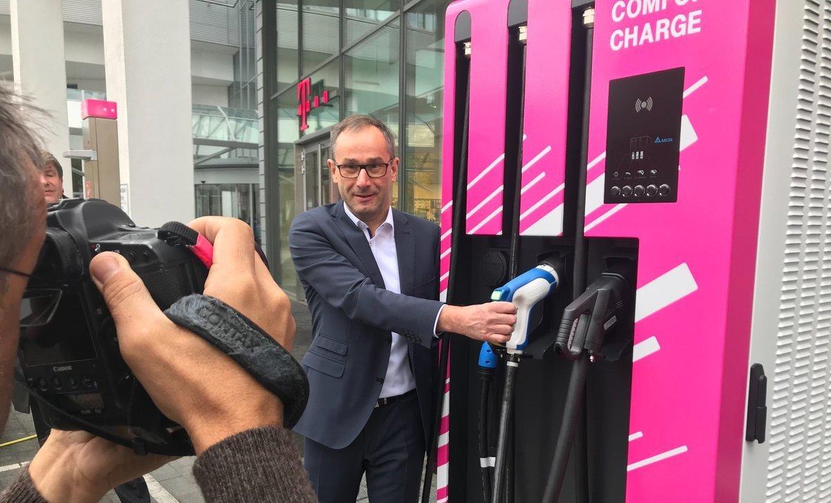 Deutsche Telekom startet Elektroladestellen-Initiative in Bonn (Foto: Telekom)