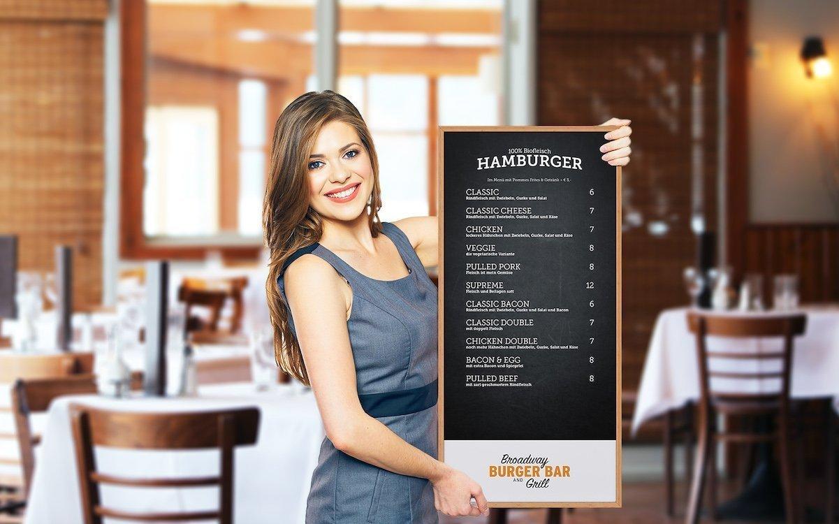 ePoster im Einsatz in der Gastronomie (Foto: Ströer)