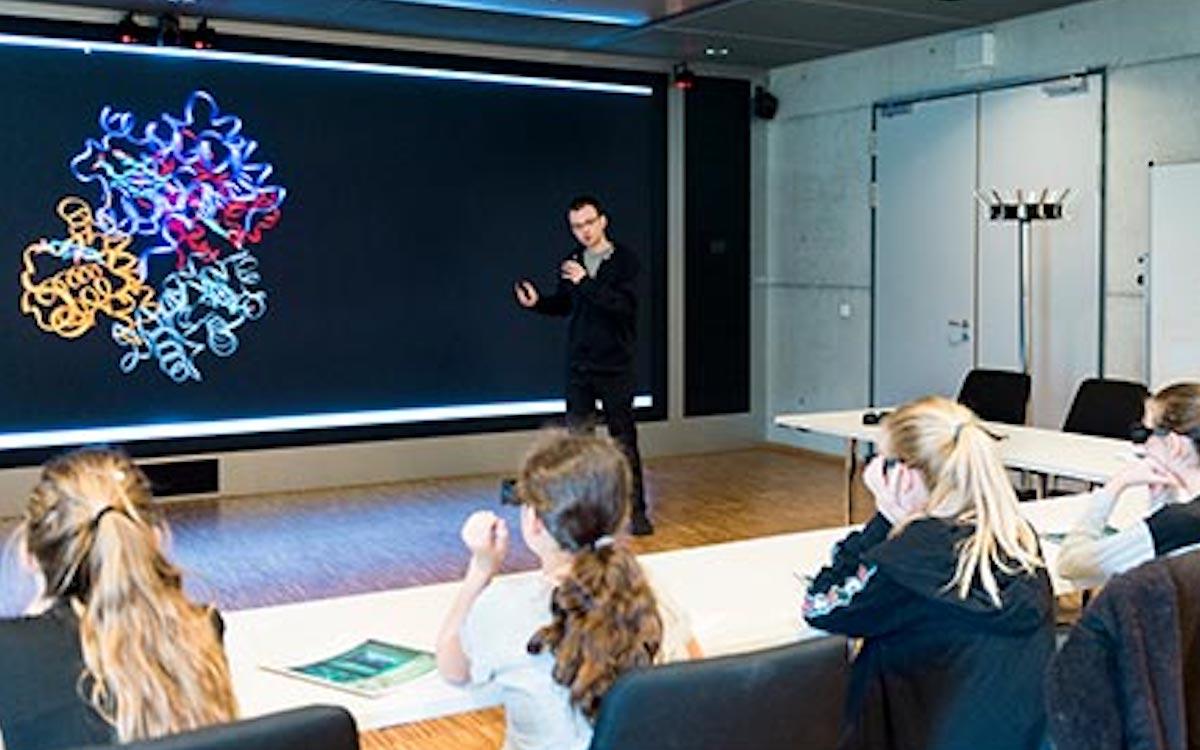 Im Auditorium können die Ergebnisse ebenfalls genutzt werden .Hier eine Präsentation beim Girl's Day (Foto: Christie)