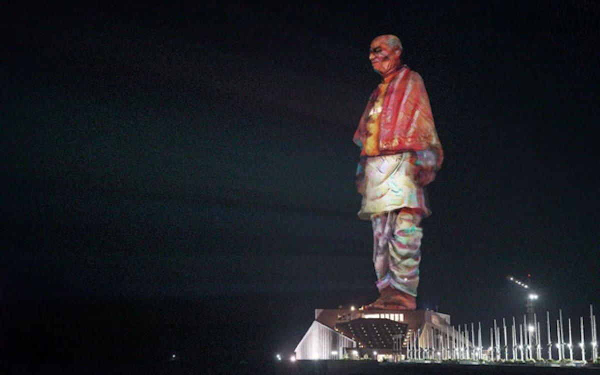 In Indien ist die Statue der Einheit für lichtstarke Auf-Projektionen genutzt worden (Foto: Christie)