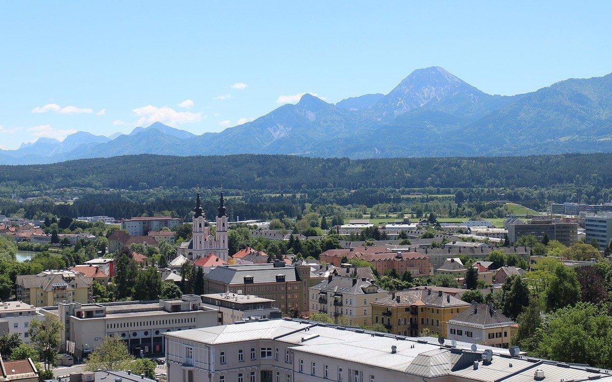 In Villach in Kärnten setzt die Stadt künftig auf ein DooH-Netz (Foto: Pixabay / gegiweiss)