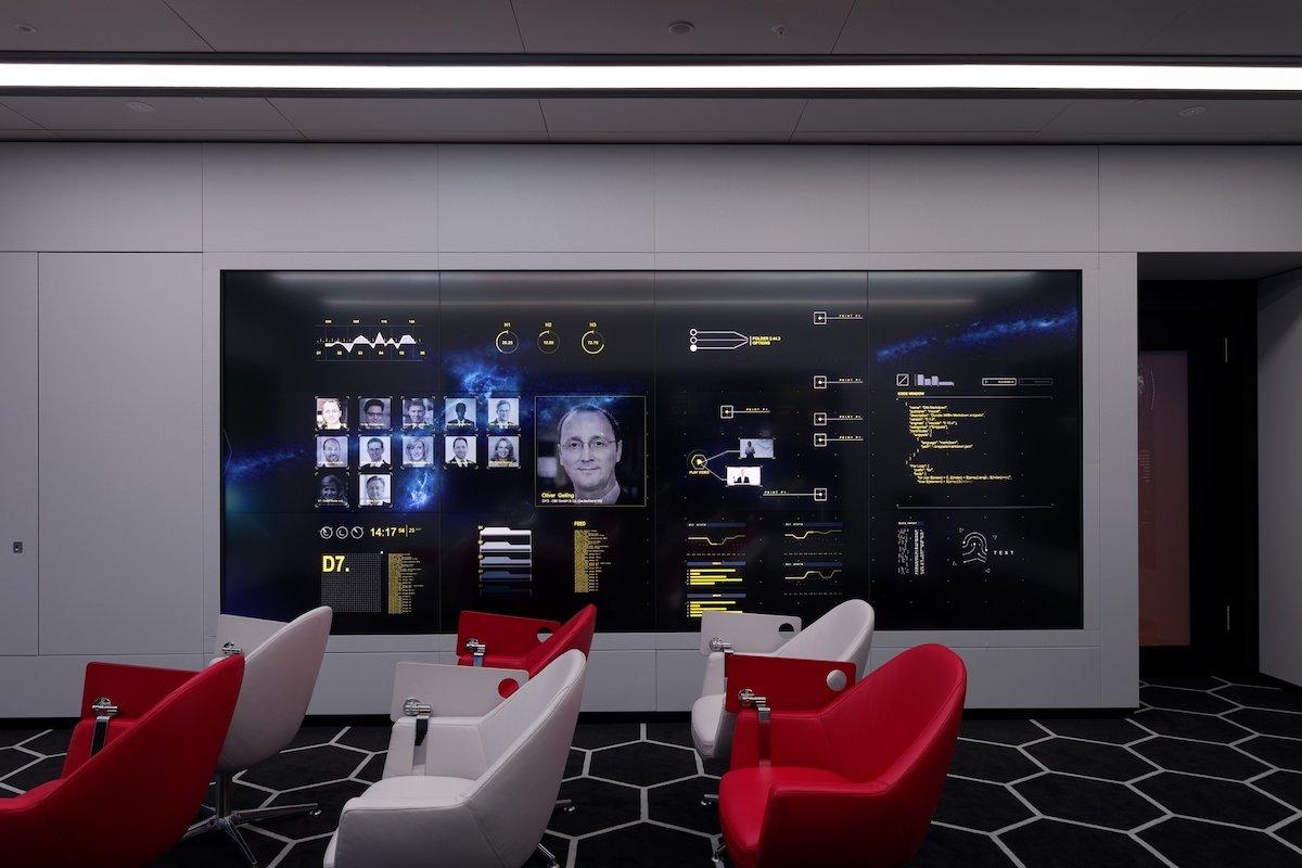 Interaktive Seitenwand im CFOspace (Foto: Panasonic)