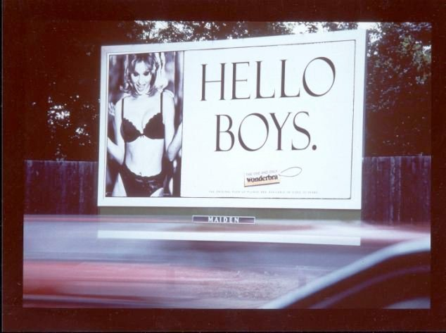 1994 die Sensation - Wonderbra Kampagne Hello Boys (Foto: Maiden Out of Home)