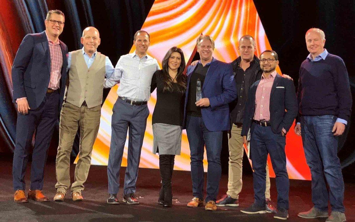 Accenture team erhält Adobe 2018 Global Digital Experience Solution Partner of the Year Award in Las Vegas (Foto: Accenture)
