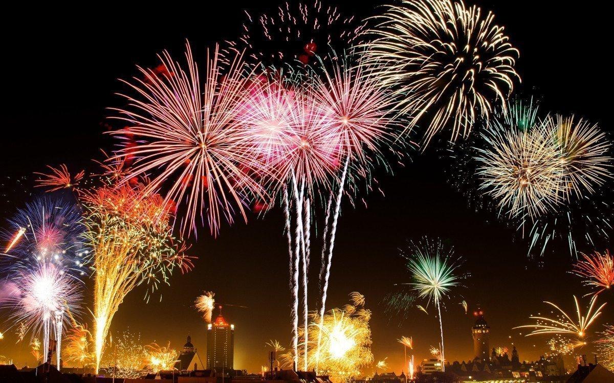 Feuerwerk (Foto: Nickgesell/pixabay)