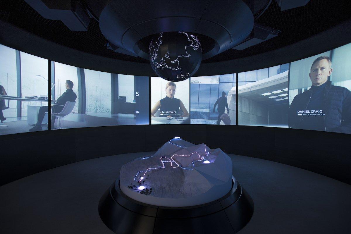 Neben Material aus den Filmen wird auch eigens erstellter Content genutzt (Foto: Kristopher Grunert / 007 Elements)
