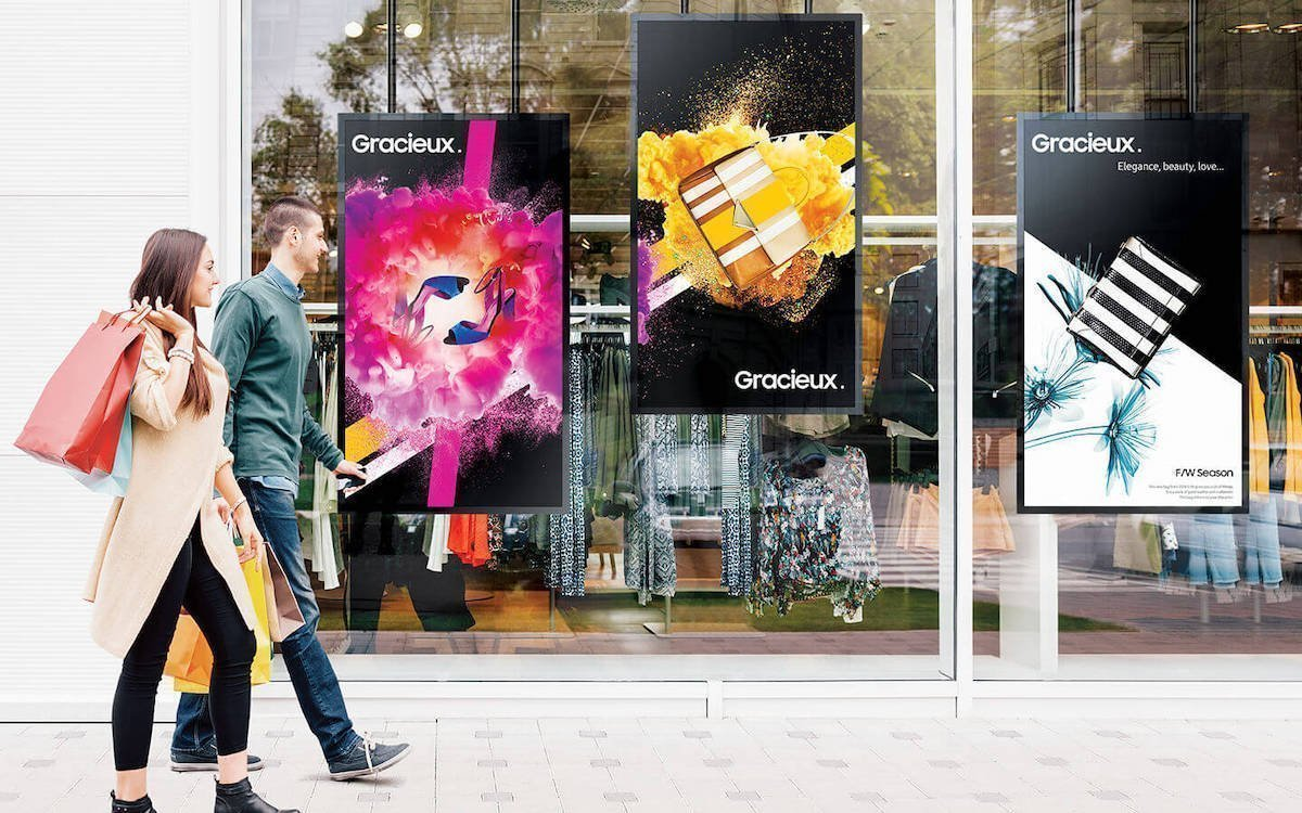 OMN Screens in einem Schaufenster (Foto: Samsung)
