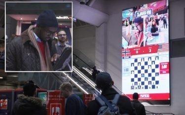 Via Live Stream auf DooH Screens spielten die Passanten Schach gegeneinander (Screenshot: invidis)