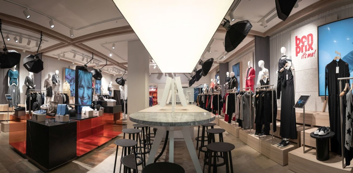Viel Digital Signage - bonprix fashion connect in Hamburg (Foto: bonprix)