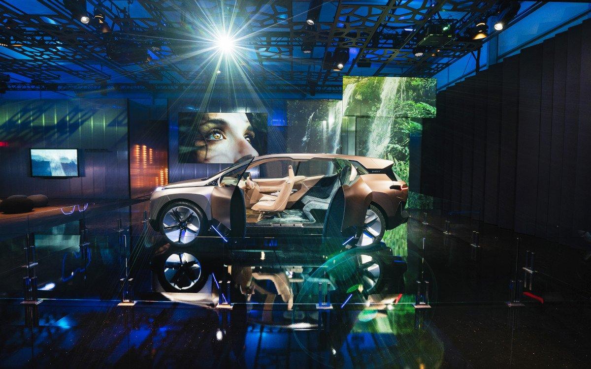 BMW mag es auf der CES futuristisch - Vision iNext (Foto: BMW)
