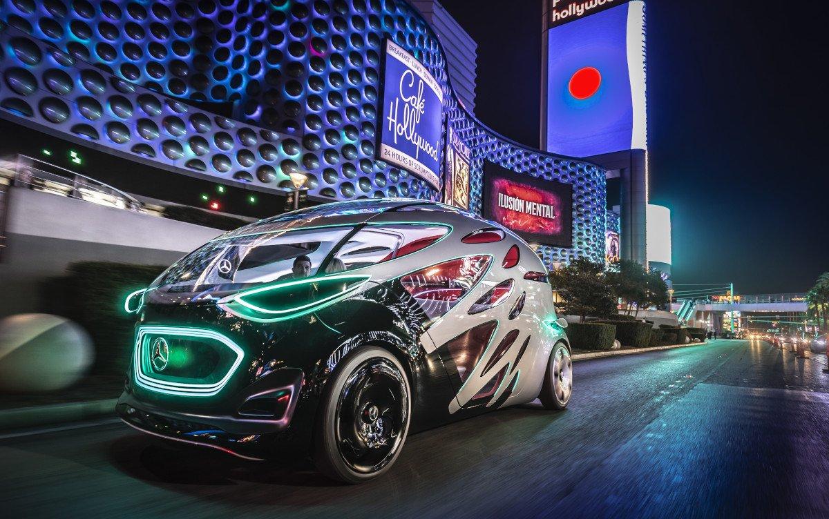 Bei der Mercedes Studie Urbanetic wir Karosserie zum Display (Foto: Daimler)