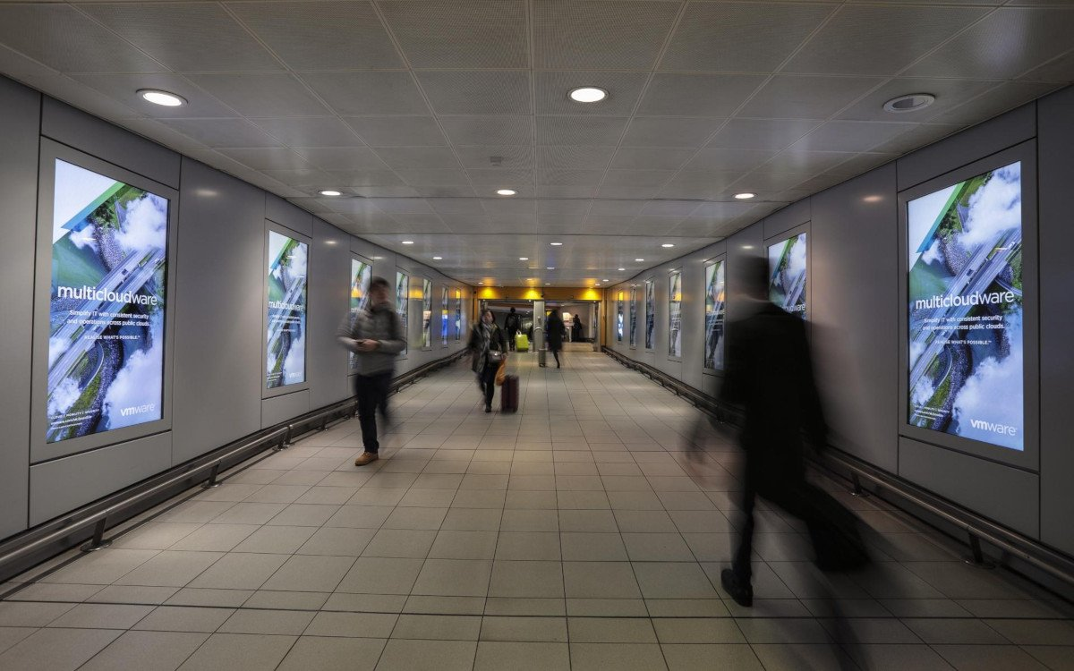JCDecaux Rail Panorama am Airport Heathrow (Foto: JC Decaux)
