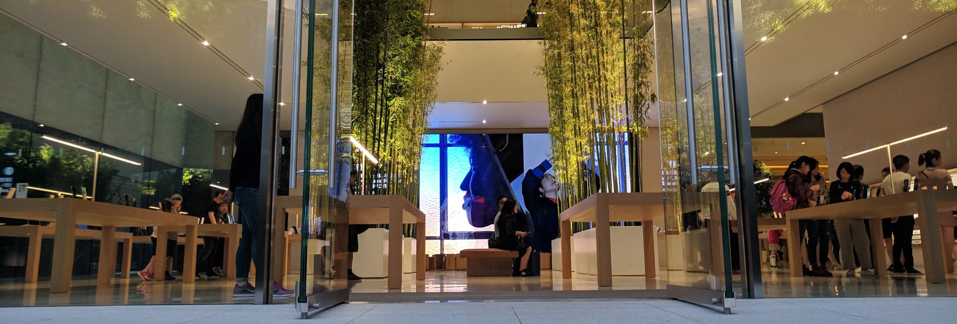 Micro LED Video wall at Apple Macau (Photo: invidis)