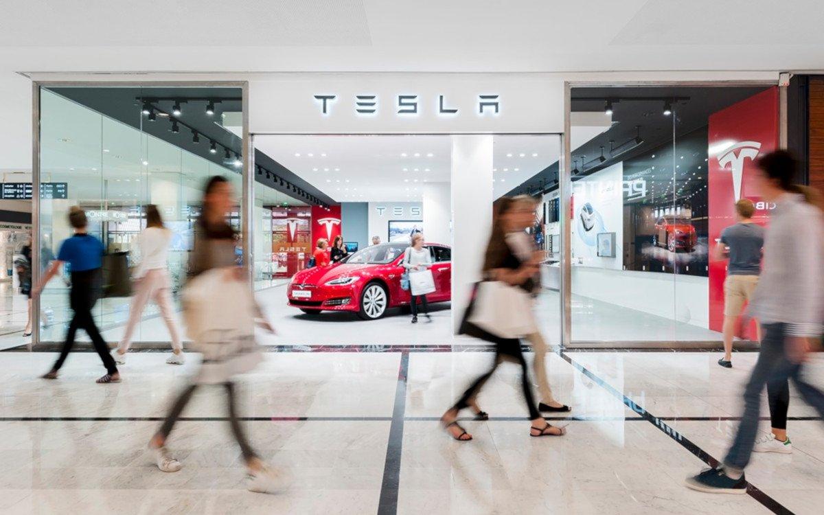 Tesla Verkauf in einem Pariser Einkaufszentrum (Foto: Unibail Rodamco Westfield)
