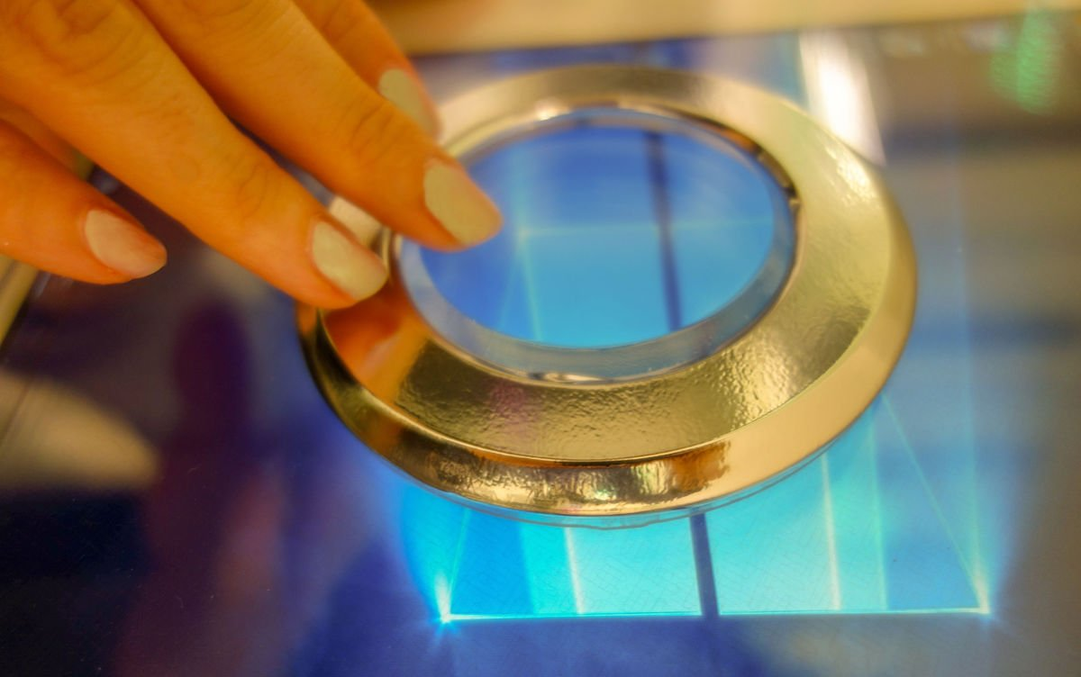 Die ersten Hybrid Touch Controller kommen nun auf den Markt (Foto: Zytronic)