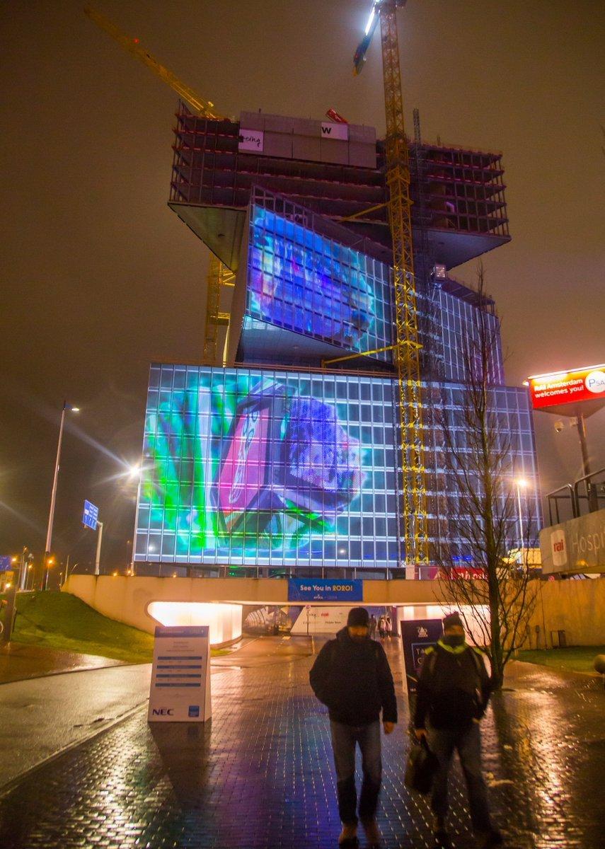 Insgesamt 400.000 Lumen stark war das Projection Mapping (Foto: ISE)