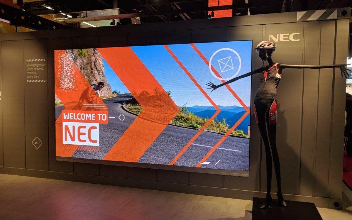 Bei NEC waren LED, LCD und Projektion in Retail-Showcases zu sehen (Foto: invidis)