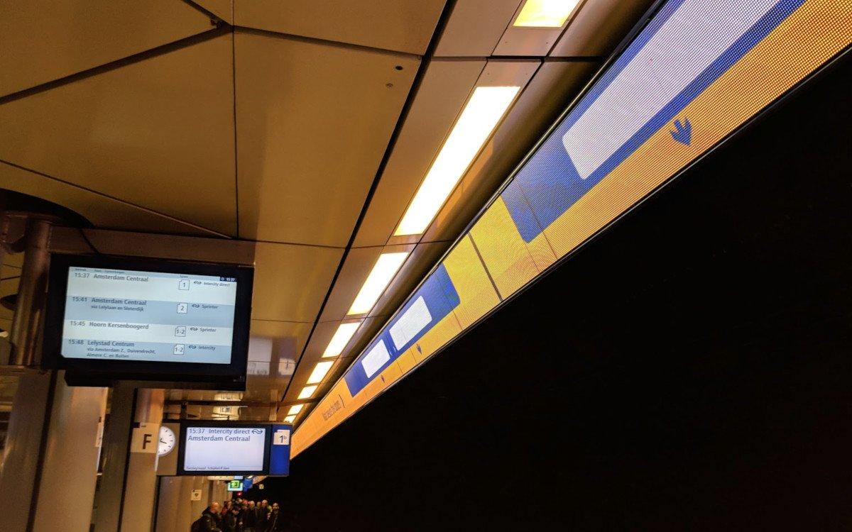 Intelligente Bahnsteige am Flughafen Schipol (Foto: invidis)