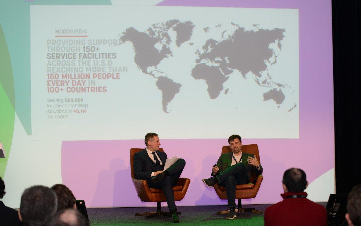 DSS ISE Kamingespräch mit Trey Courtney (SVP / Global Chief Product Officer) bei Mood Media (Foto: invidis)