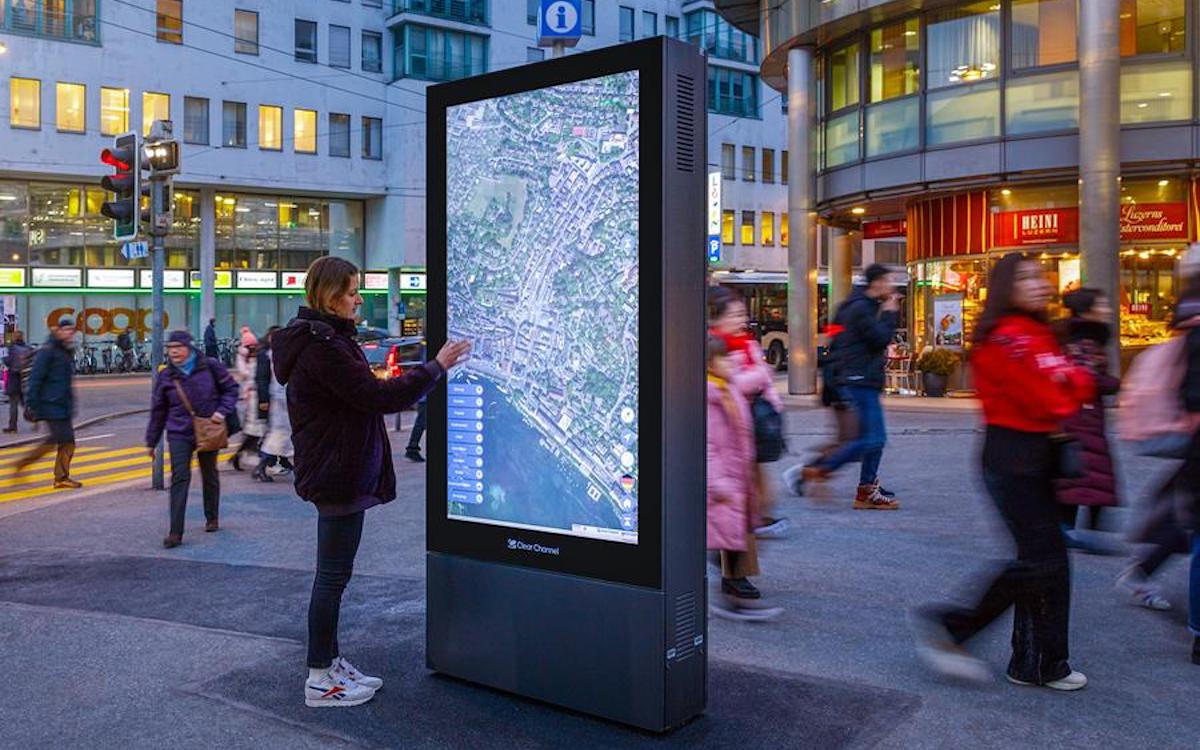 CityMap auf Screen in Luzern (Foto: Clear Channel)