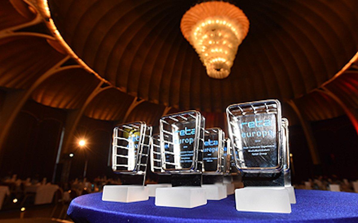 Preise der reta-Awards aus dm Jahr 2018 (Foto: EHI Retail Institue)