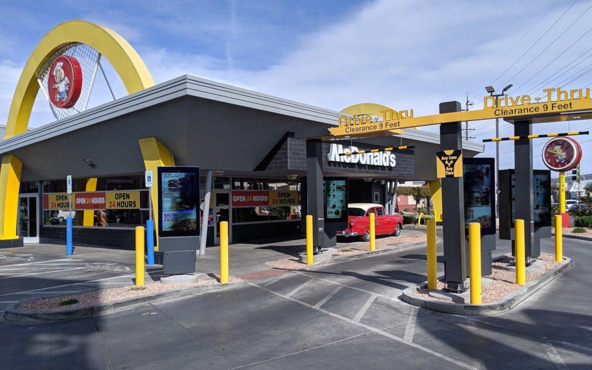 Digital Signage am Drive Thru von McDonalds in Las Vegas (Foto: invidis)