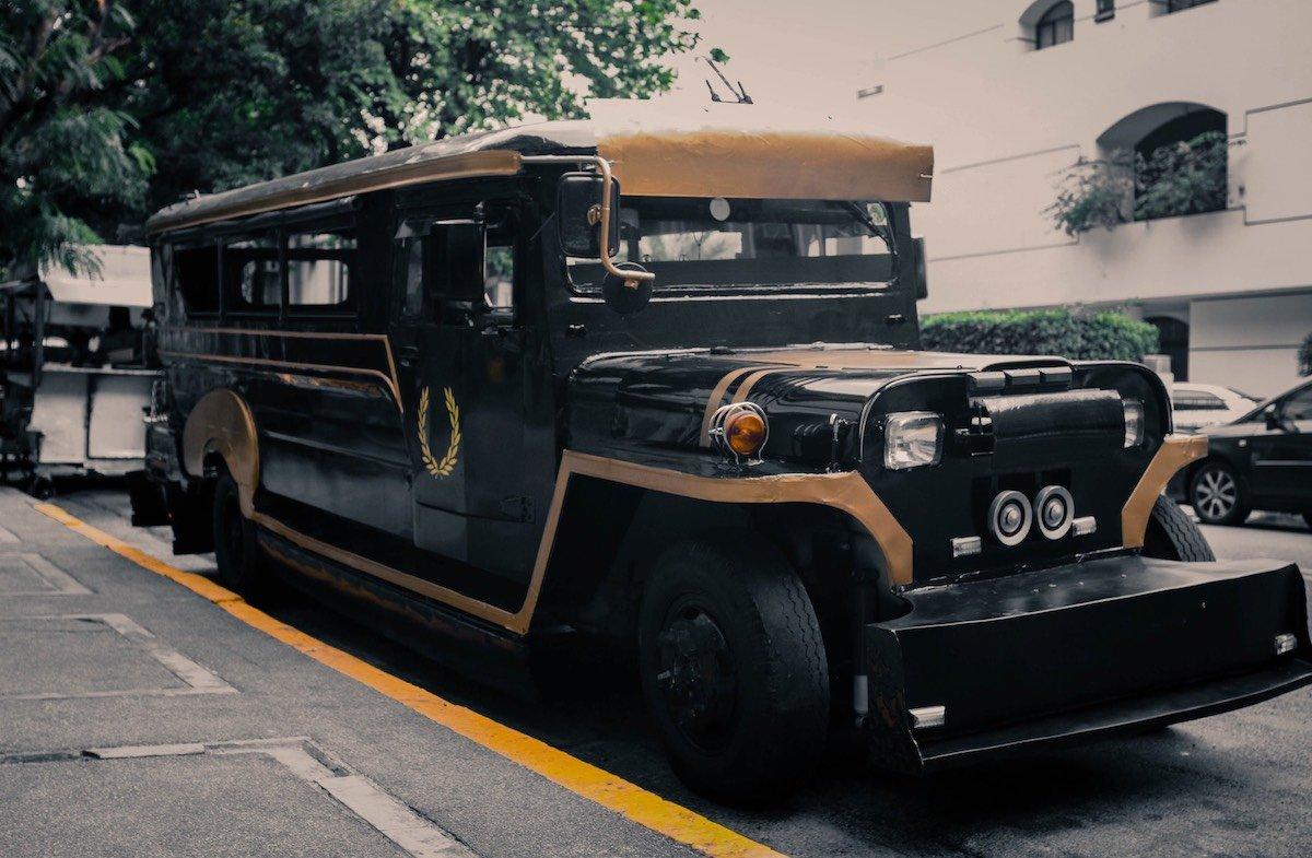 Auf den Philippinen wird dieser Bus werblich eingesetzt (Foto: Fred Perry)