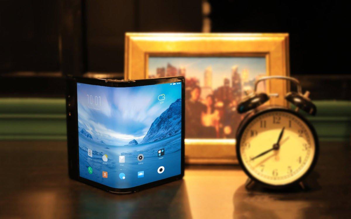 """Biegsame Screens wie das im Royole """"FlexiPai"""" sind für zahlreiche weitere Anwendungen interessant (Foto: Royole Corporation)"""