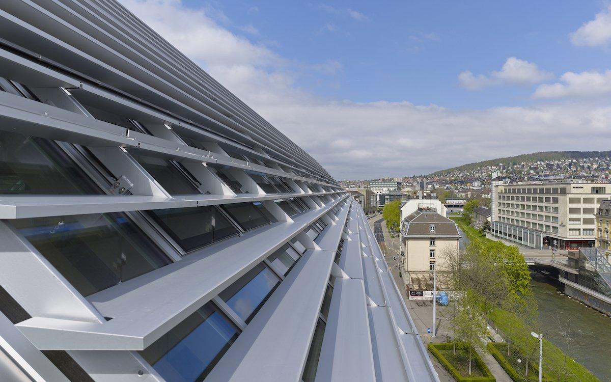 Dach des Tamedia Gebäudes in Zürich Werd (Foto: Tamedia / Didier Boy de La Tour)