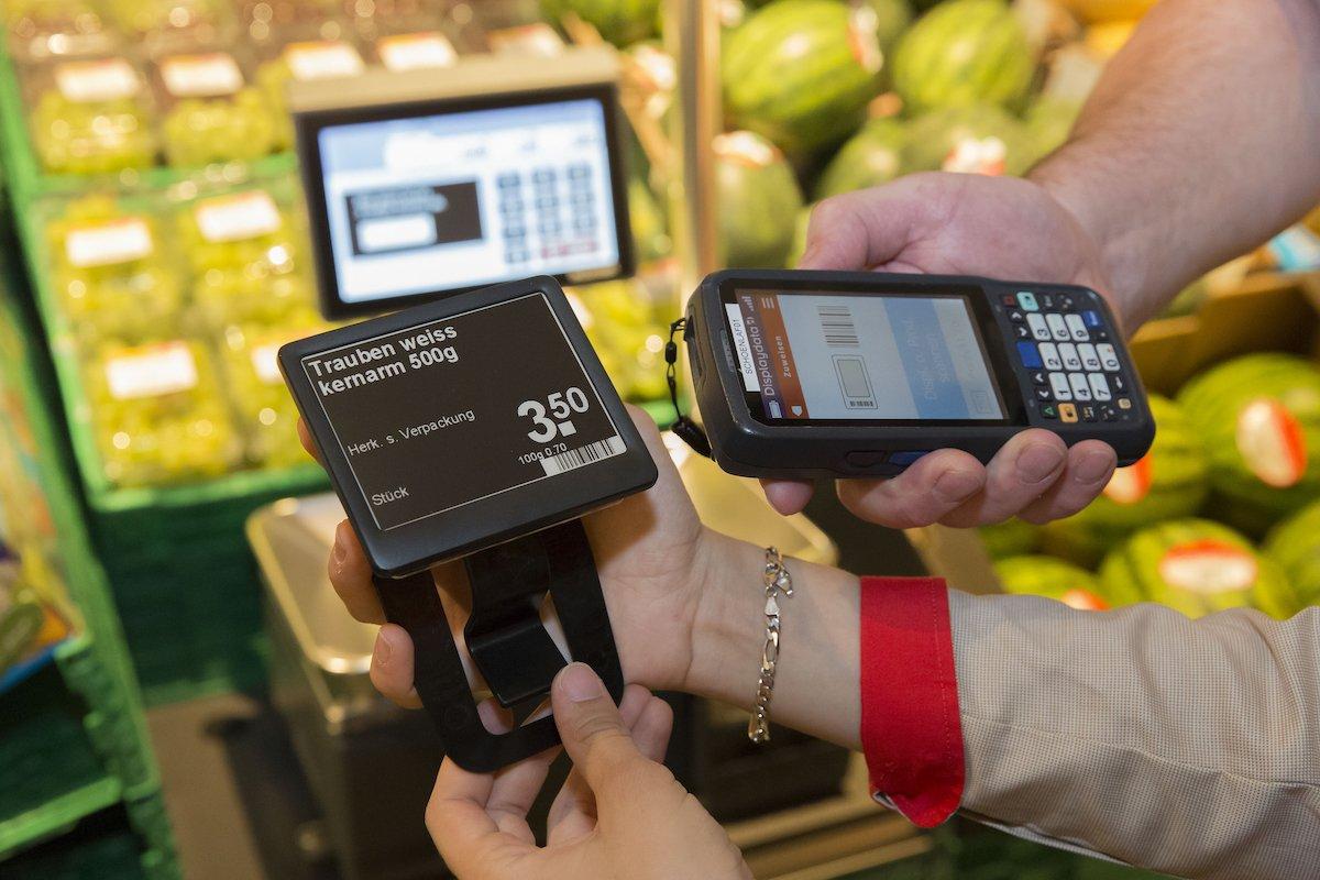 Der LEH-Riese setzt auf Electronic Shelf Labels der neuesten Generation (Foto: Coop)