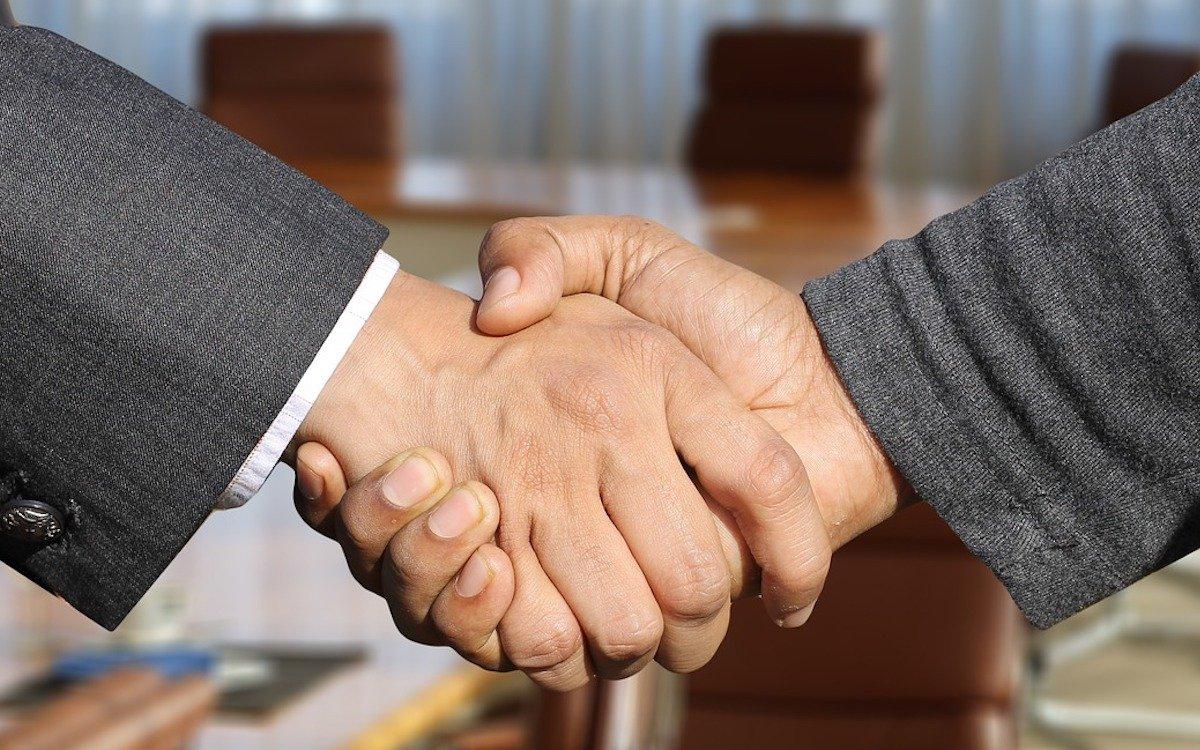 Geschäftsabschluss, Symbolbild (Foto: Pixabay / geralt)
