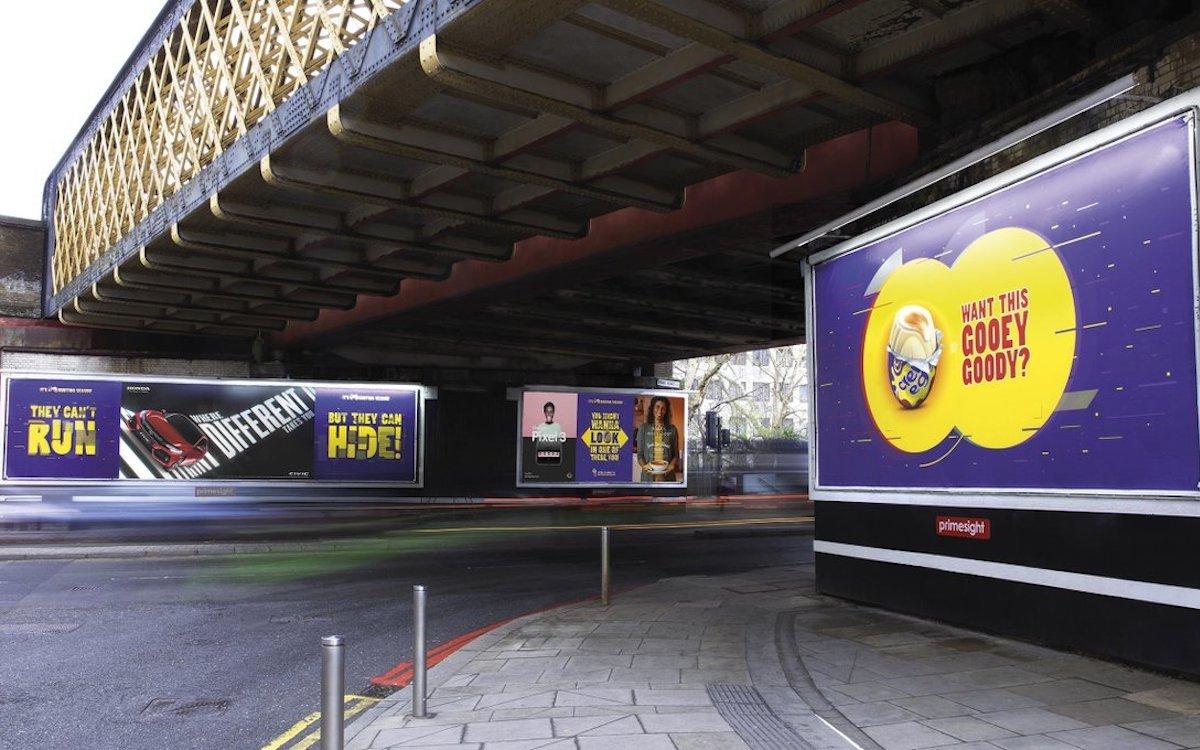 Rund um die Waterloo Station hat Cadbury jetzt die Suche nach dem Osterei eröffnet (Foto: Posterscope)