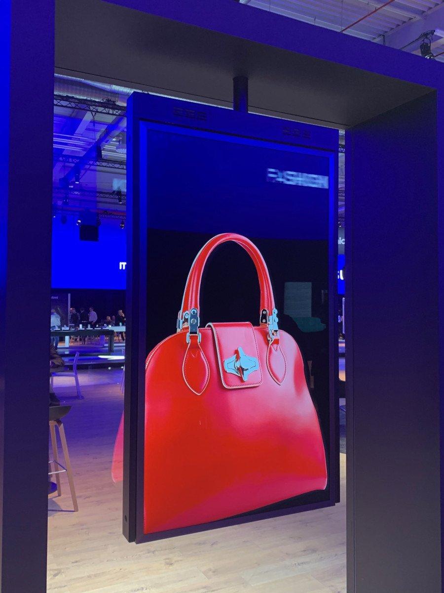 Display-Halterung Tank von Touch Perfect (Foto: Unternehmen)