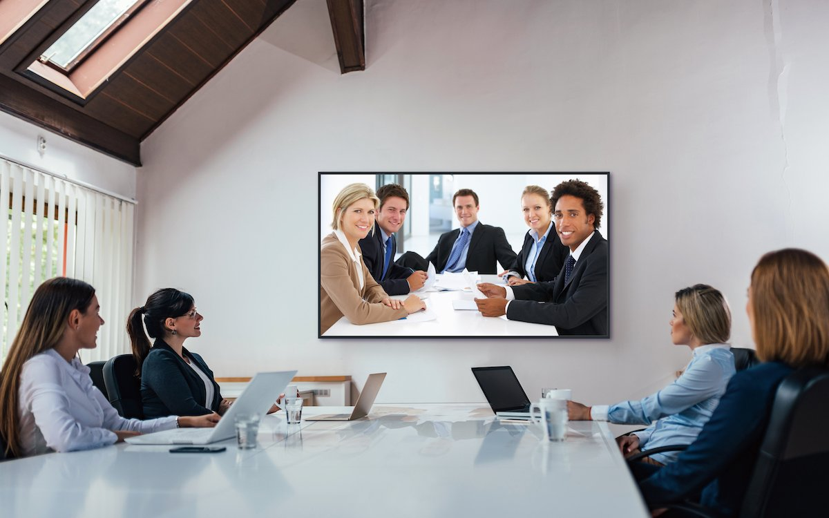Display der Serie EQ1 im Corporate-Einsatz (Foto: Panasonic)