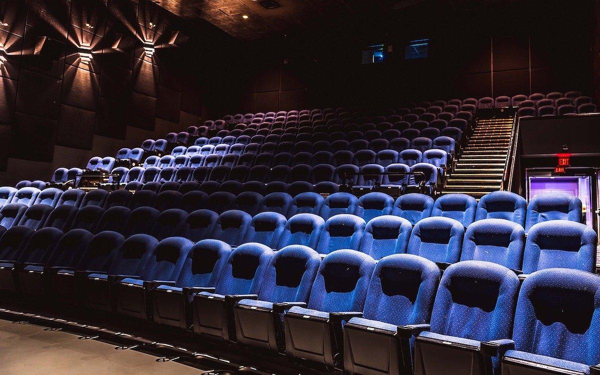 Kinosaal (Foto: Pixabay / Vladvictoria)