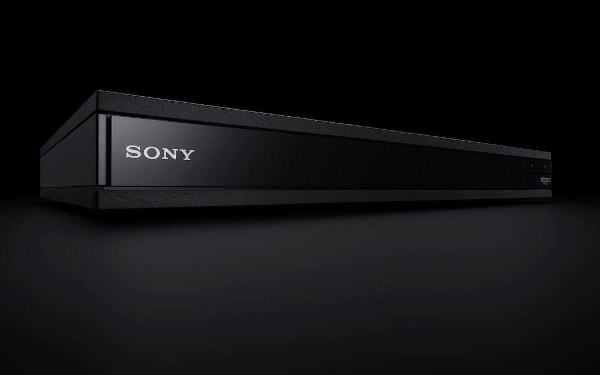 Schlichtes Design mit technischen Finessen – der UBP X1100ES (Foto: Sony)
