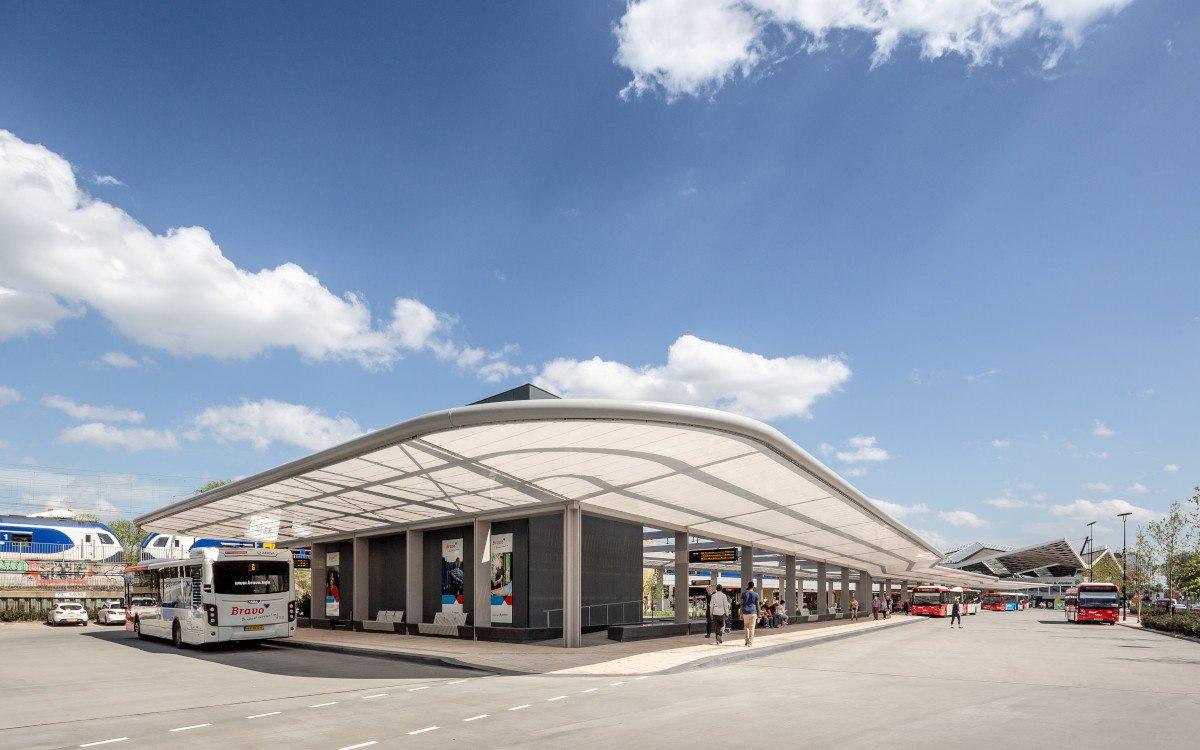 Autonomer Busbahnhof in Tilburg (Fot: cepezed | Lucas van der Wee )