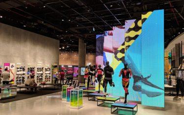 Nike Store Eingang mit LED in der Dubai Mall (Foto: invidis)