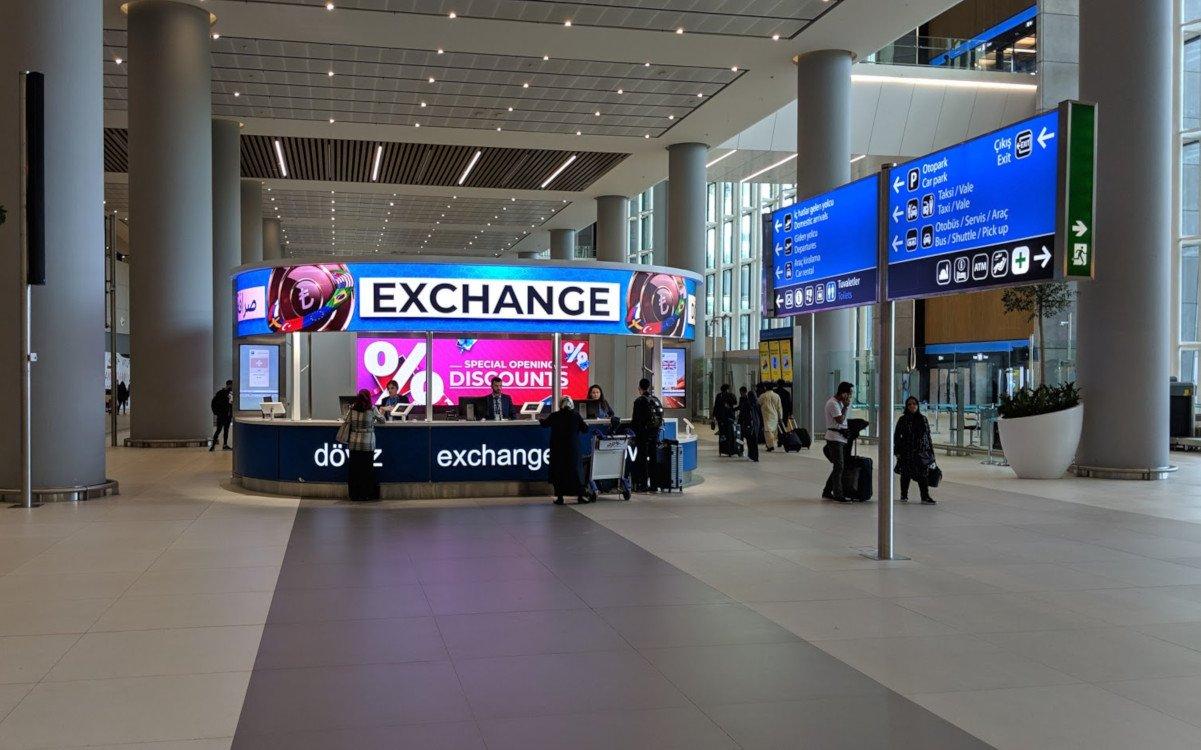 Currency Exchange auf der Ankunftsebene Istanbul Airport (Foto: invidis)