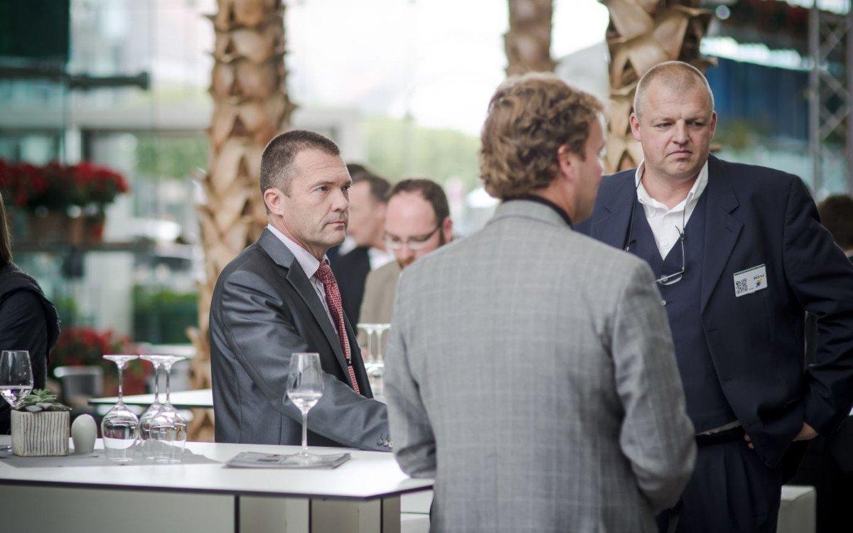 Helge Haarig (rechts) mit Frank Larsen auf der DSS Europe 2013 (Foto: invidis)