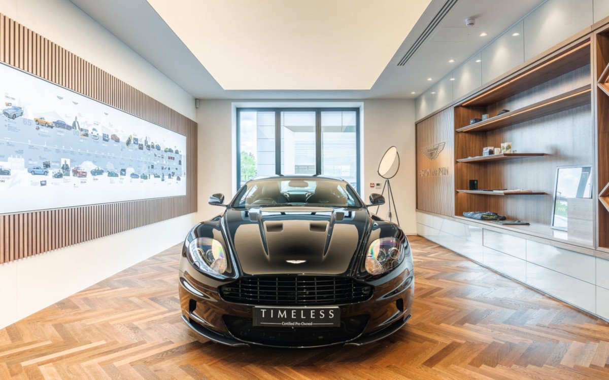 Aston Martin Showroom in Hatfield (Foto: Roman Thomas / Vizona)