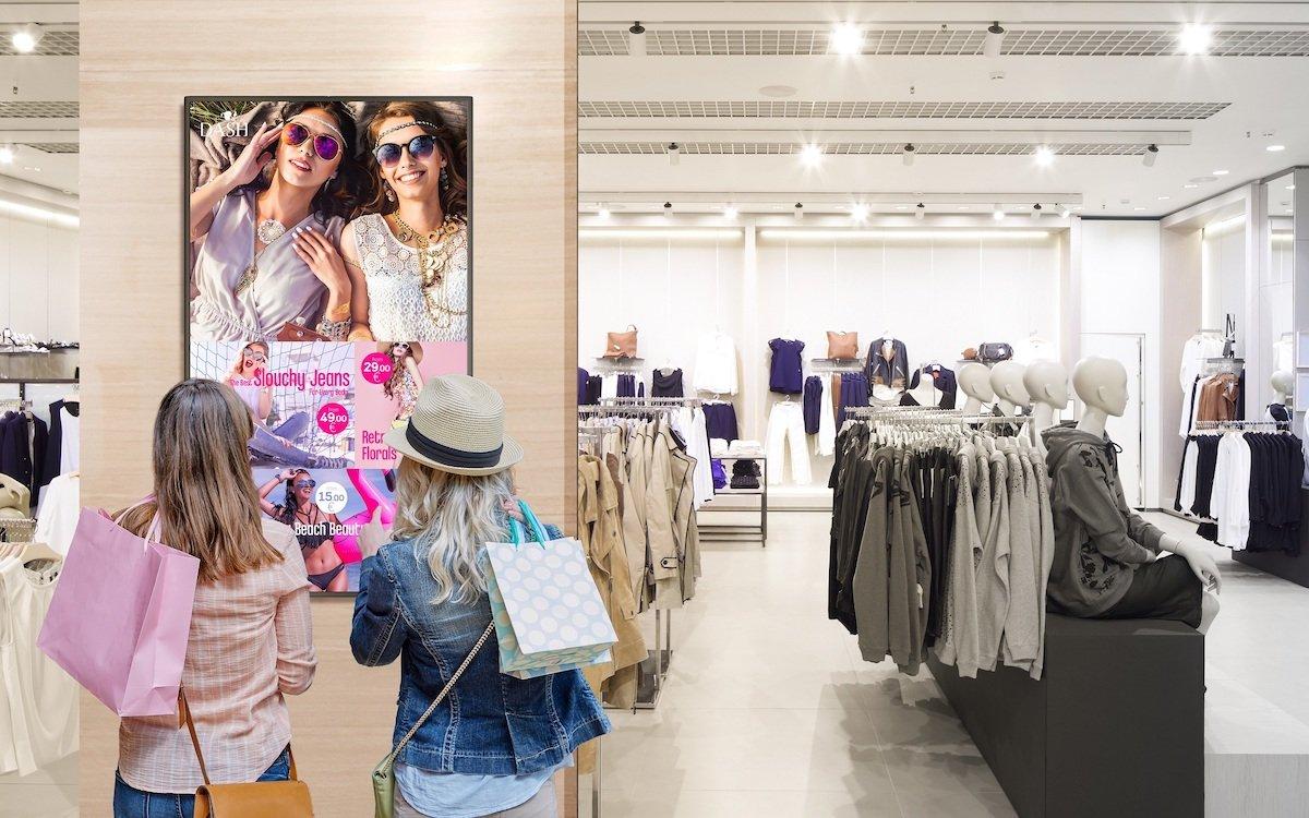 Der V554Q in einer Retail-Umgebung (Foto: NEC)