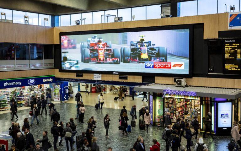 DooH Screen in Großbritannien (Foto: Outsmart)