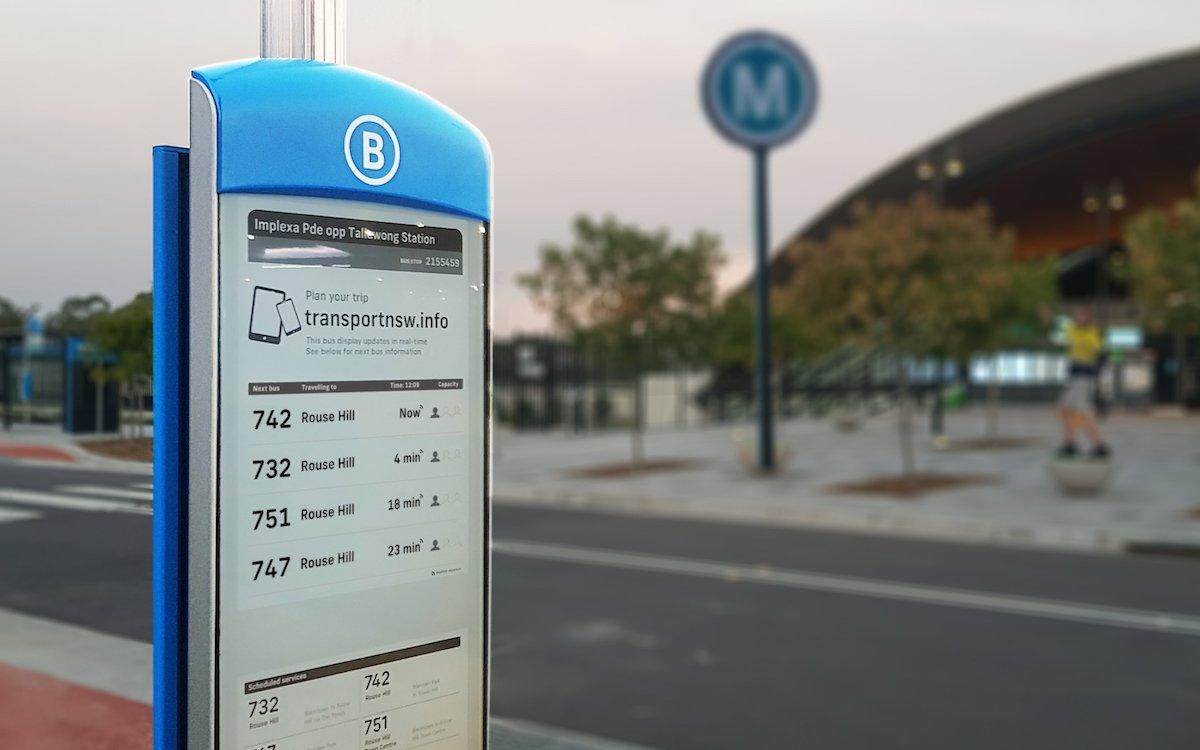 """""""Urban"""" in Sydney: Nirgendwo sonst sind Bushaltestellen mit E Paper Screens in dieser Menge installiert (Foto: Visionect)"""