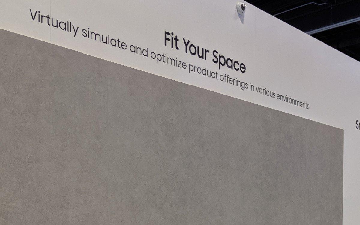 Für das Auge eine graue Wand - Samsungs AR App lässt Digital Signage planen (Foto: invidis)